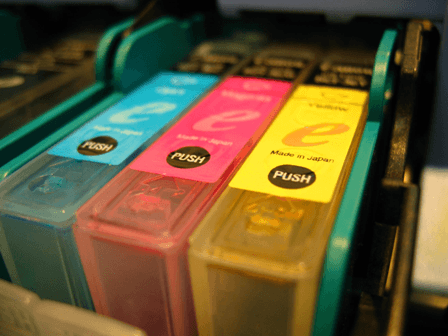 Toner in cyan, magenta und yellow